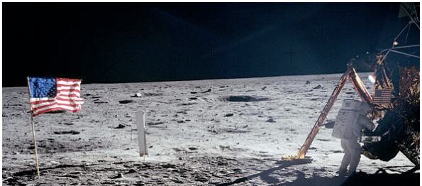 Space travel - Tourism on the Moon